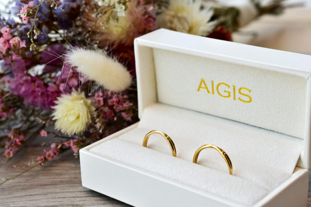 手作りした結婚指輪はケースにいれてお渡し
