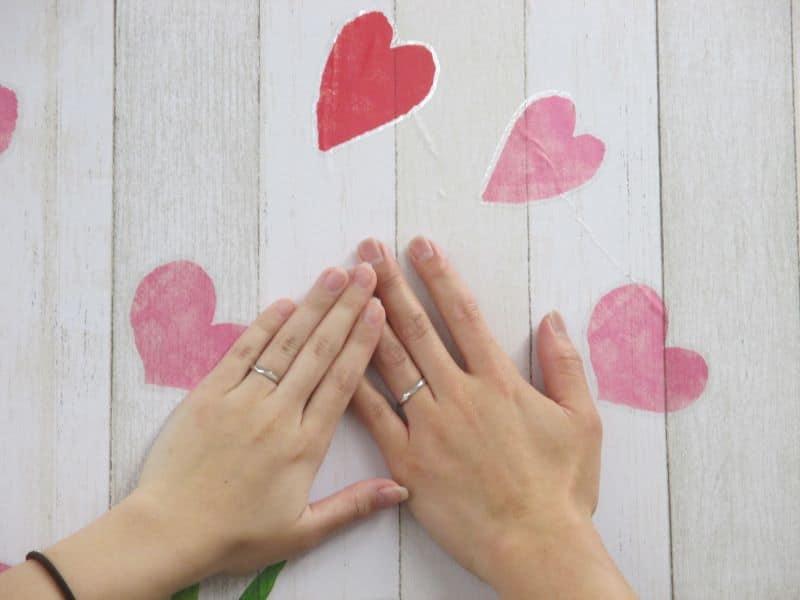 手作り結婚指輪の手元