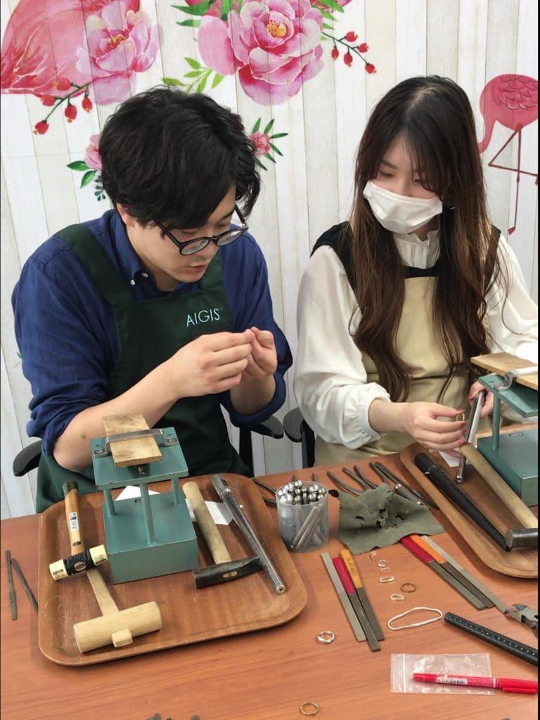 手作り結婚指輪鍛造の様子