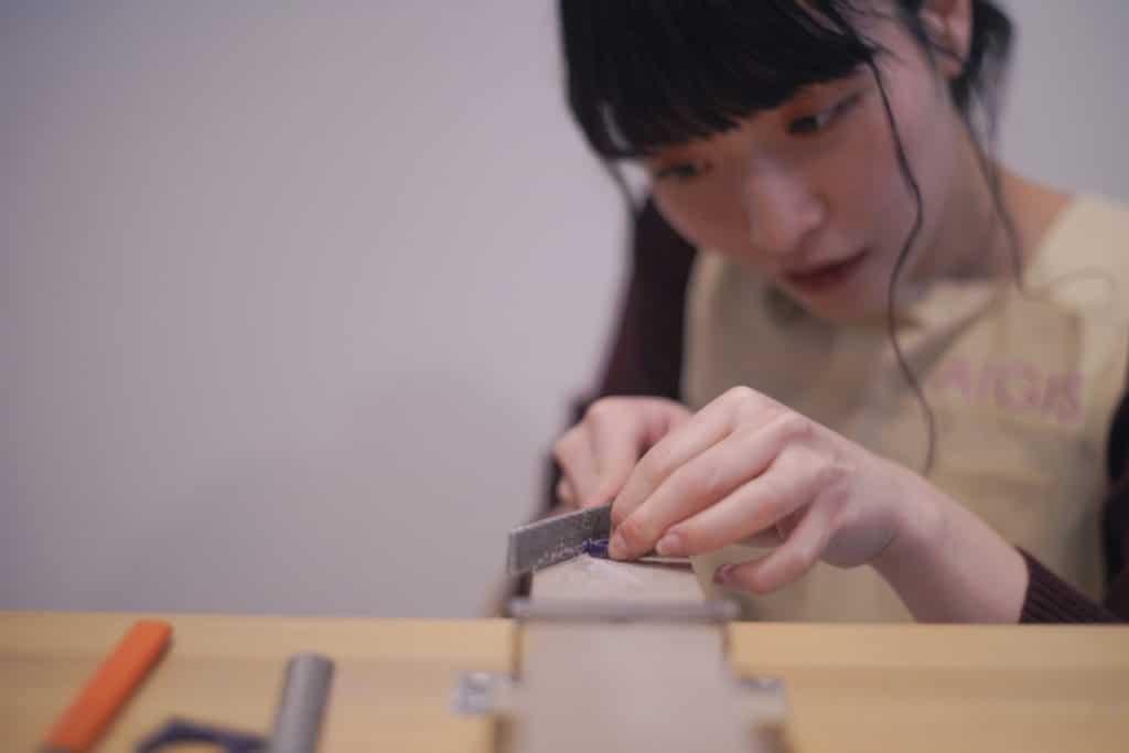 手作り結婚指輪の形を作る